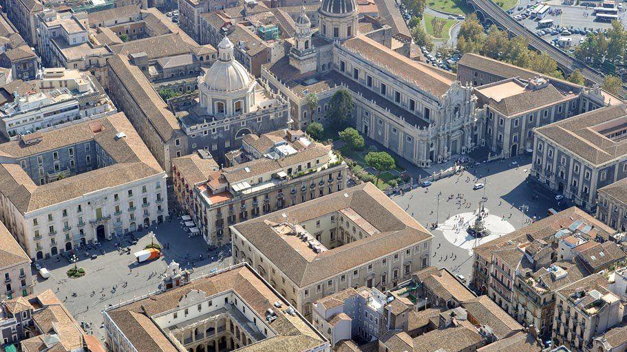 Piazza Duomo e Piazza Università Catania